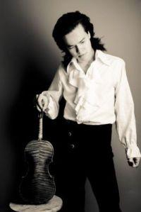 Roman Kim, photo credit the artist's website
