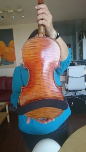 One posture improvement mechanism is the angle of the shoulder rest on the violin.
